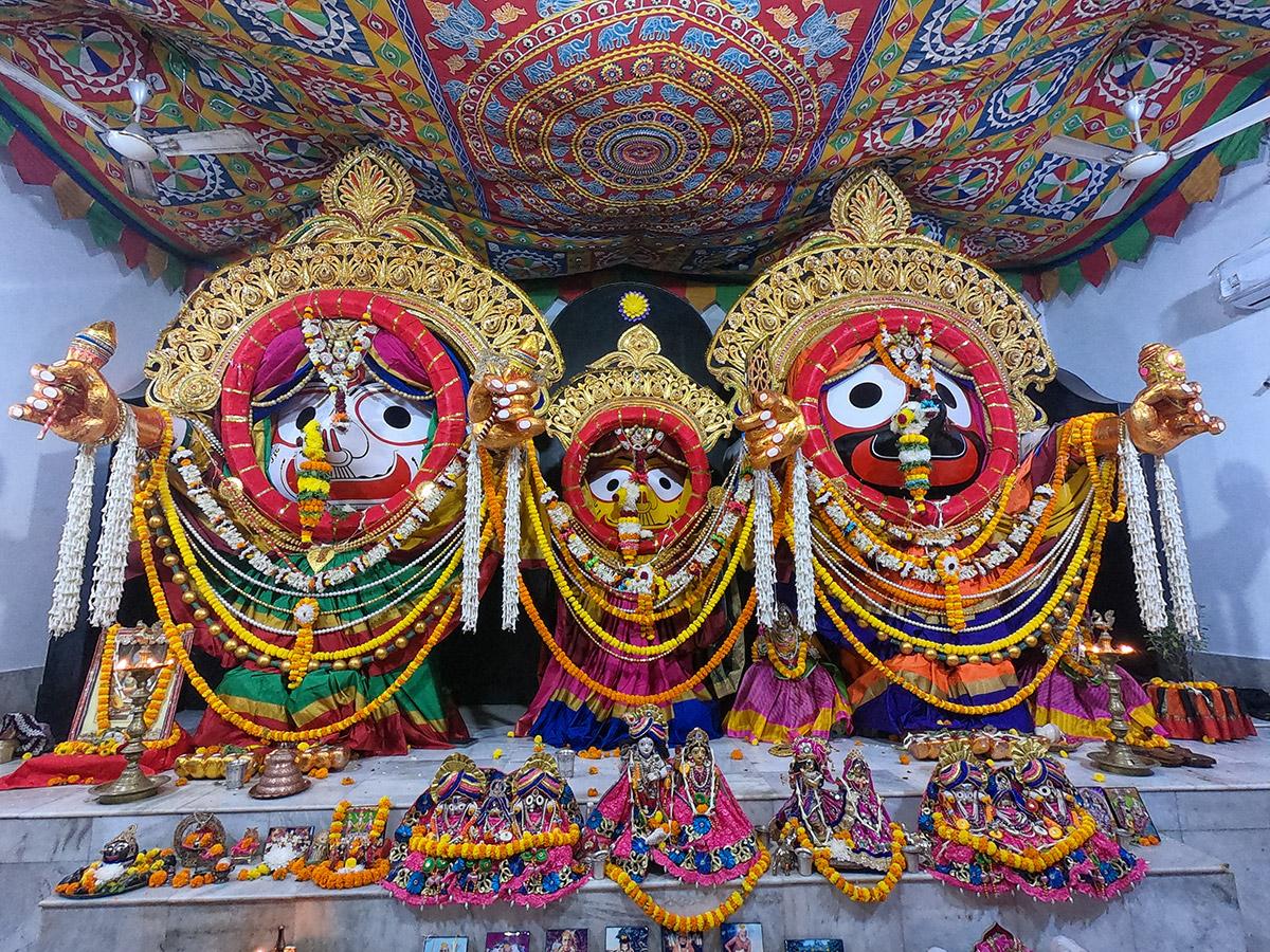 Devotees Celebrate Kartika Purnima at Bhaktivedanta Ashram (2018)