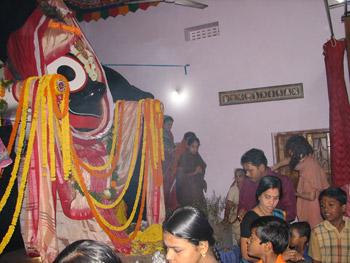 Over 5,000 devotees visit Bhaktivedanta Ashram for Kartika Purnima Parikrama