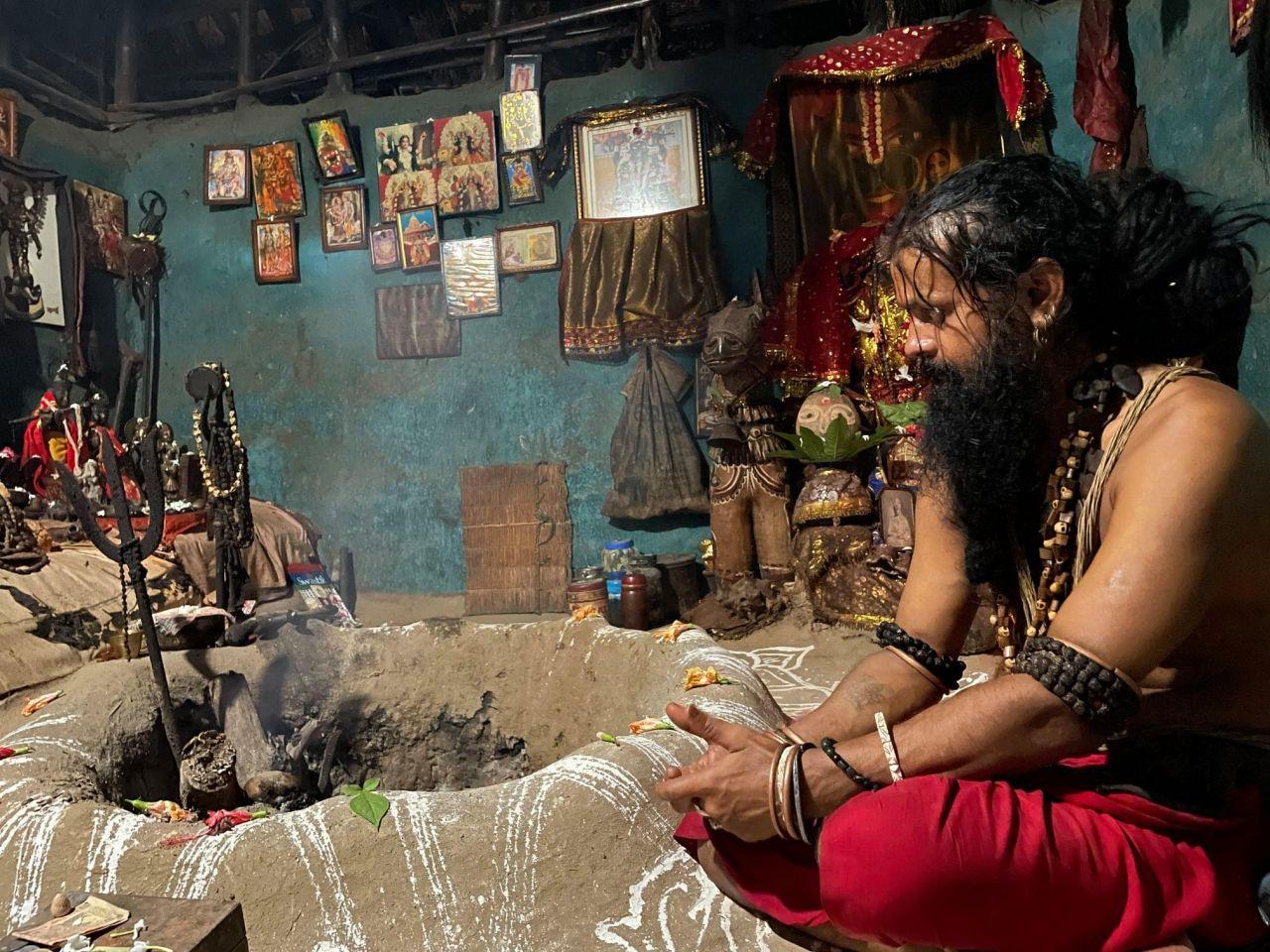 A Short Visit to Nityananda Baba's Dhuni